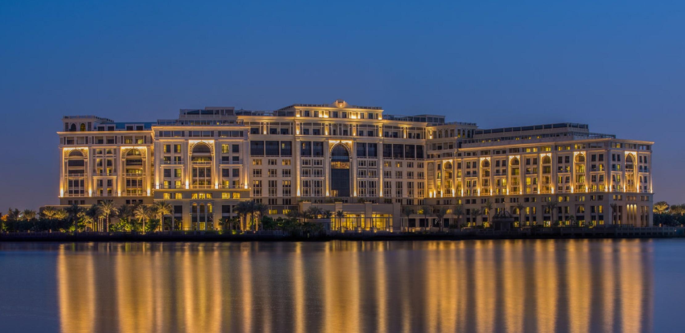 Versace_Palazzo_Dubai_Night_Shot_Kardorff_Ingenieure_Lichtplanung