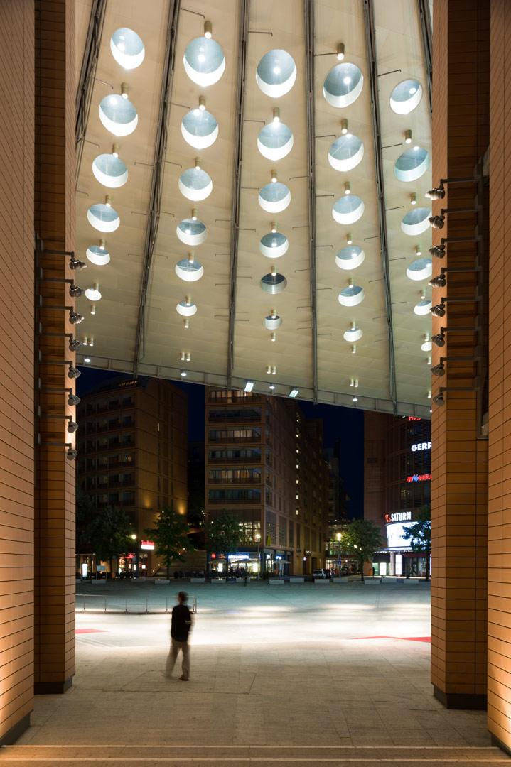 Marlene-Dietrich-Platz_Kardorff Ingenieure Lichtplanung