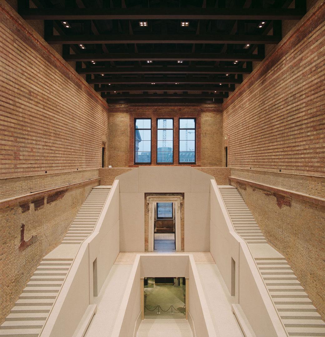 Neues Museum Treppenhalle, beleuchtet von Kardorff Ingenieure Lichtplanung