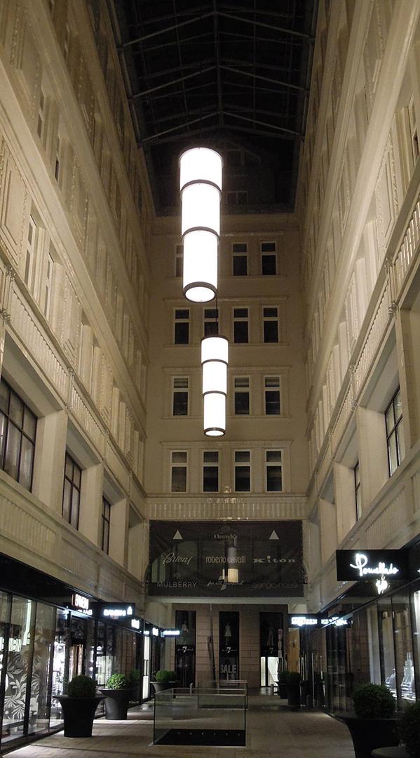 Pendelleuchten für die Tuchlauben in Wien