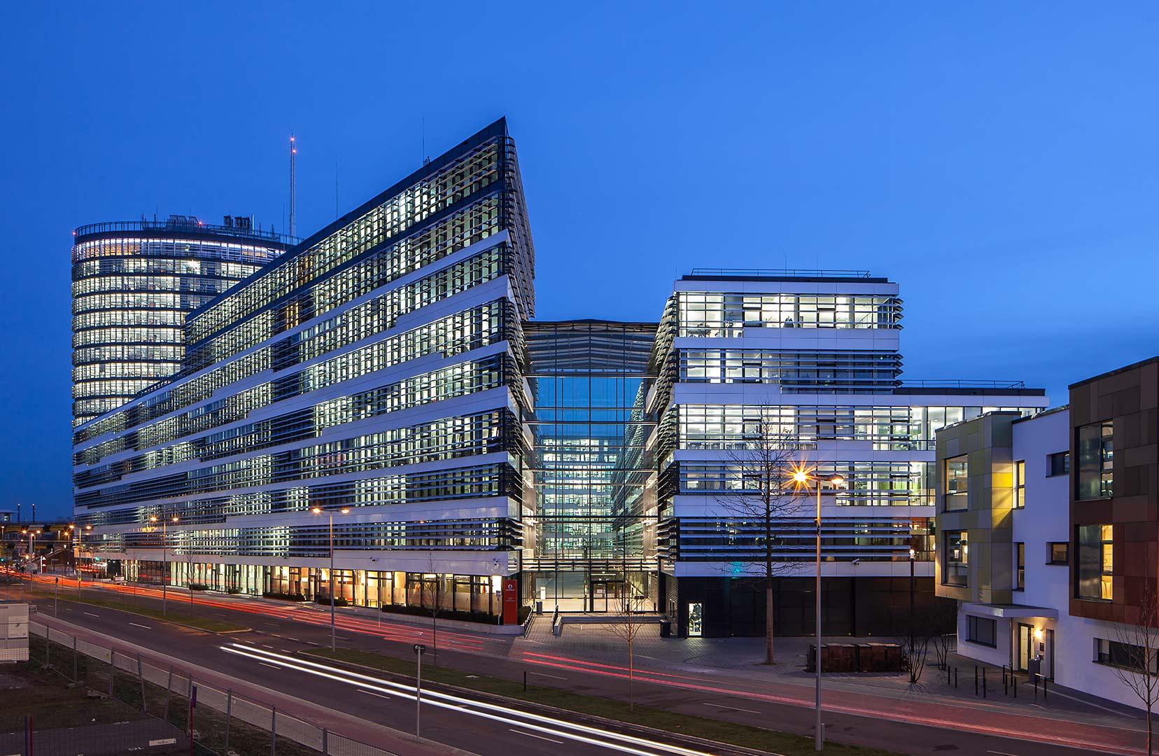 Vodafone campus kardorff ingenieure lichtplanung - Architekten in dusseldorf ...